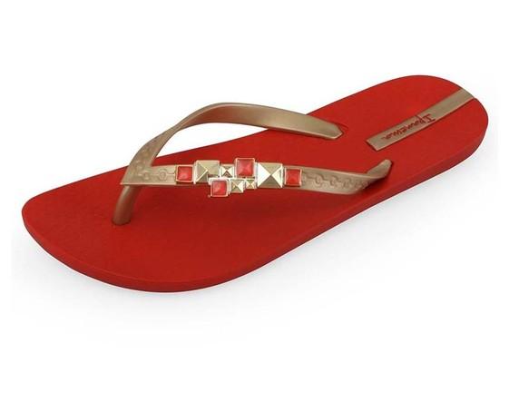 ... Vám dodají tyto krásné červené žabky s pozlacenými kamínky 5a3d95a9b6